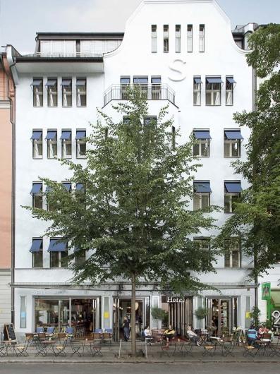 Hotel Bleibtreu (Berlin)http://www.bleibtreu.com