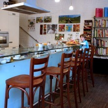 Babettes the Bookstore in Vienna, the bar© Helmut Mitter /Anzenberger