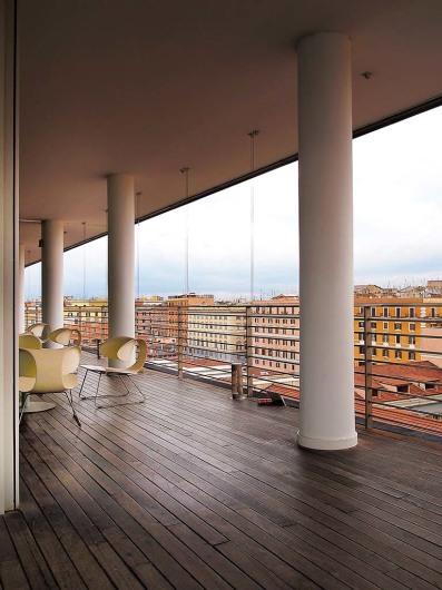 Bar Zest (in Radison SAS) (rom)www.eshotel.it