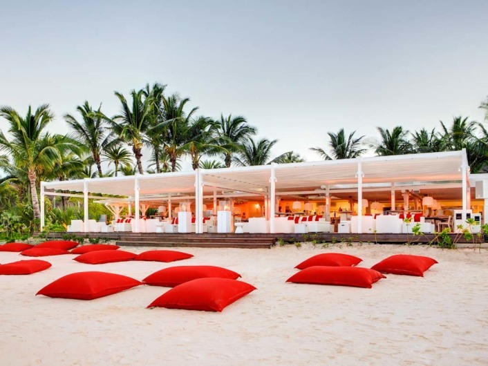 Beach Rouge Bar
