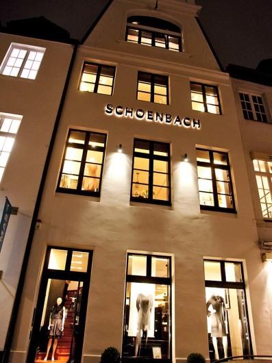 www.bettinaschoenbach.com
