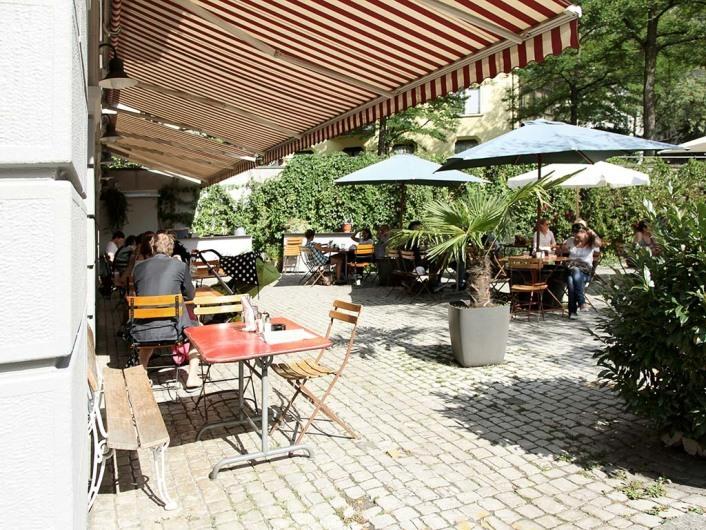 Cafe des Amis,