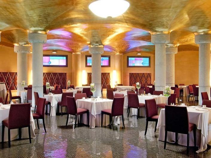 Hotel Casa Fusterhttp://www.hotelescenter.es/casafuster