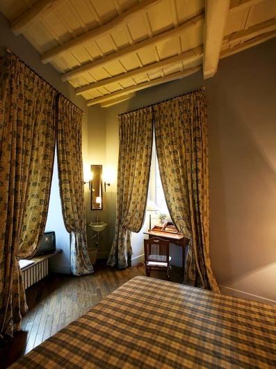 Casa Howard (rom)www.casahoward.com