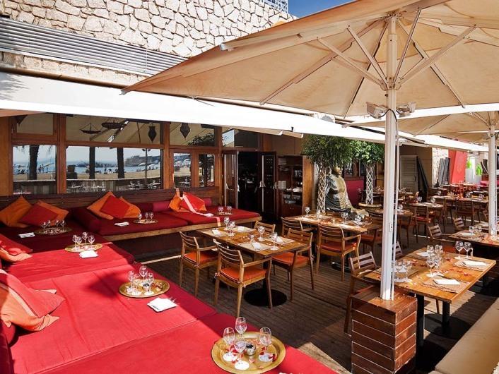 Carpe Diem Lounge Club (CDLC)