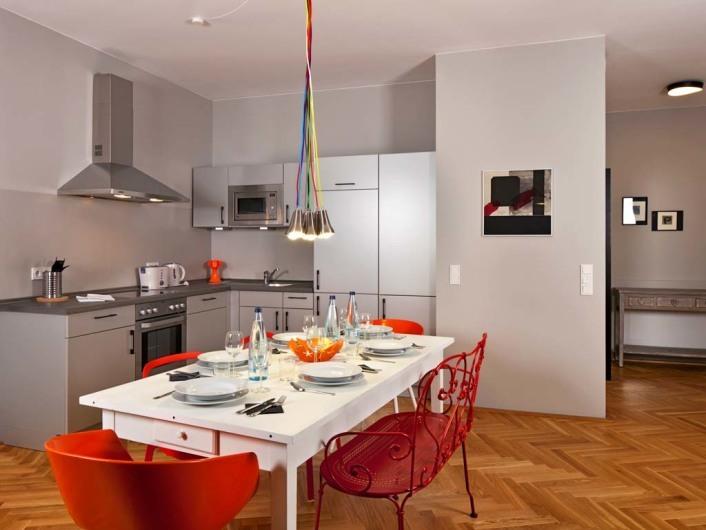 Photos of the Circus Apartments (Berlin) by Elan Fleisher / elanhotelpix.com