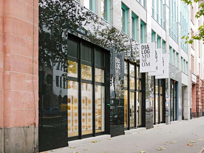 http://www.dialogmuseum.de