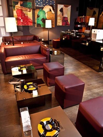 ellington hotel. Black Bedroom Furniture Sets. Home Design Ideas