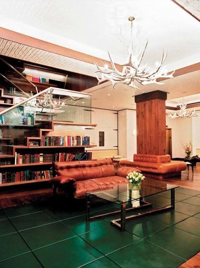 Gild Hall Thompson (NYC)http://www.thompsonhotels.com