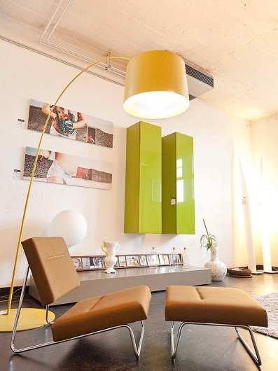 KONTRAST: Möbel Leuchten Accessoires