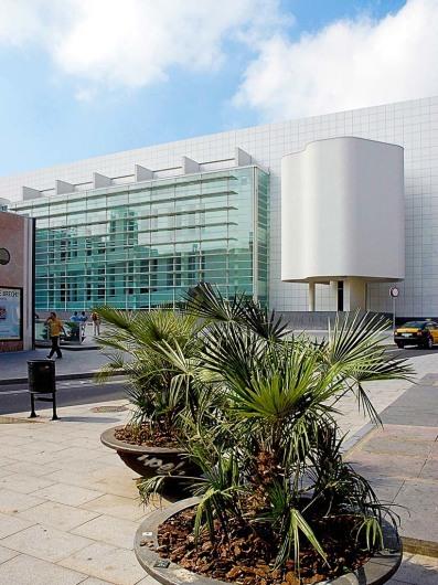 Museu del Art Contemporani de Barcelona (MACBA)www.macba.es