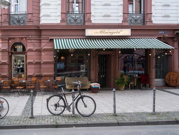 Café Maingold, Innenstadt, Frankfurt, Germany