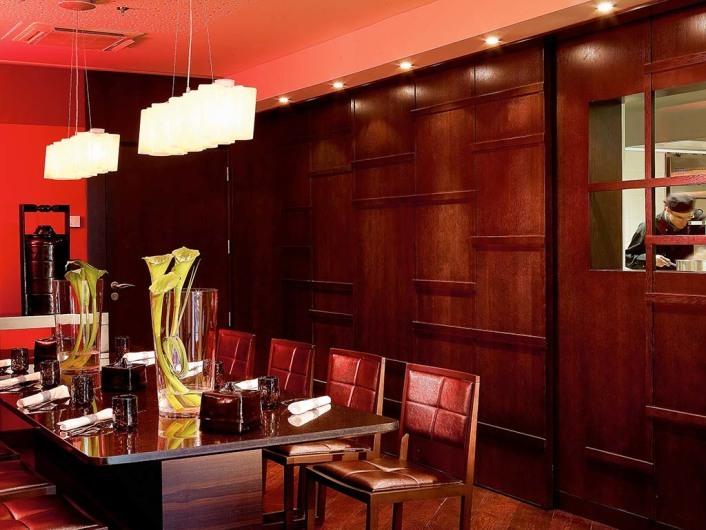 makassar lounge restaurant. Black Bedroom Furniture Sets. Home Design Ideas