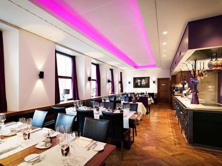 "Metas Restaurant ""Le Chef"""