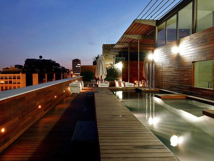 Hotel Omm y Omm Session Clubwww.hotelomm.es