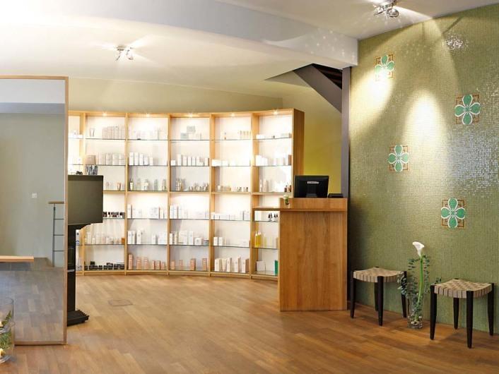 Ovid Medical & Beauty Care