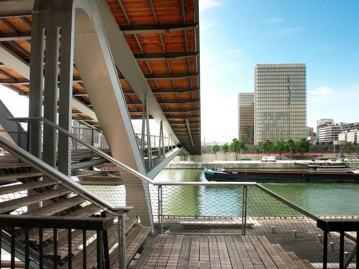 Passerelle Simone de Beauvoir (PAR)www.feichtingerarchitectes.com