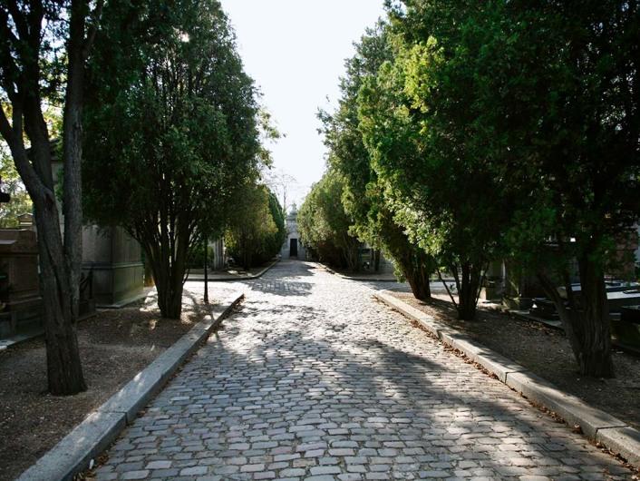 Cimetiere du Pere Lachaise (par)www.pere-lachaise.com
