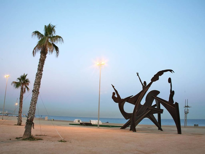 L'Estel Ferit - Playa de Barcelonetahttp://www.mimoa.eu/projects/Spain/Barcelona/