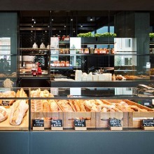 Stylish café and bakery designed by Antonio Citterio at Piazza XXV Aprile