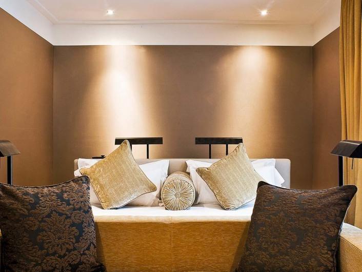 Radisson (MIL)http://www.radissonblu.com/hotel-milan