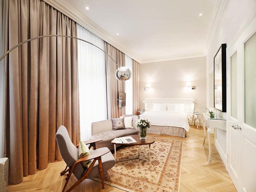 hotel sans souci. Black Bedroom Furniture Sets. Home Design Ideas