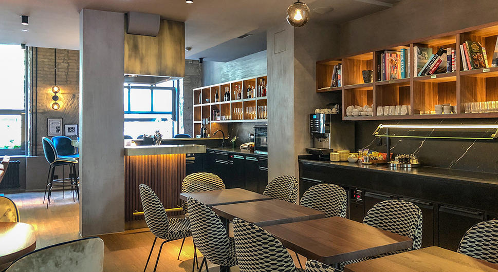 Lobby, Café