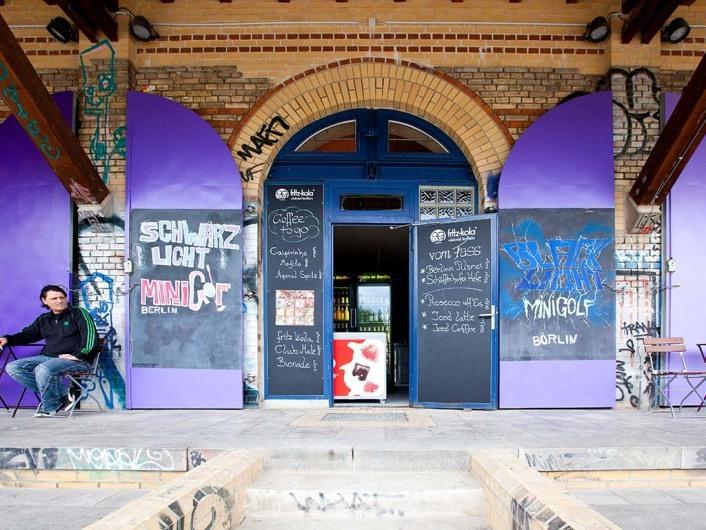 Schwarzlicht Minigolf Berlin