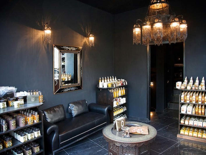 la sultane de saba. Black Bedroom Furniture Sets. Home Design Ideas