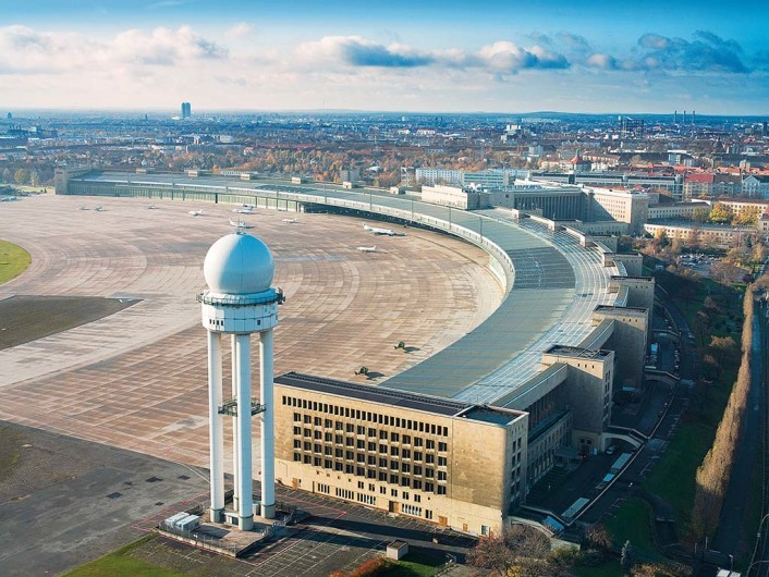Tempelhof - ehem. Flughafengelände (Berlin)http://berlin.unlike.net/locations/307268-Tempelhofer-Park