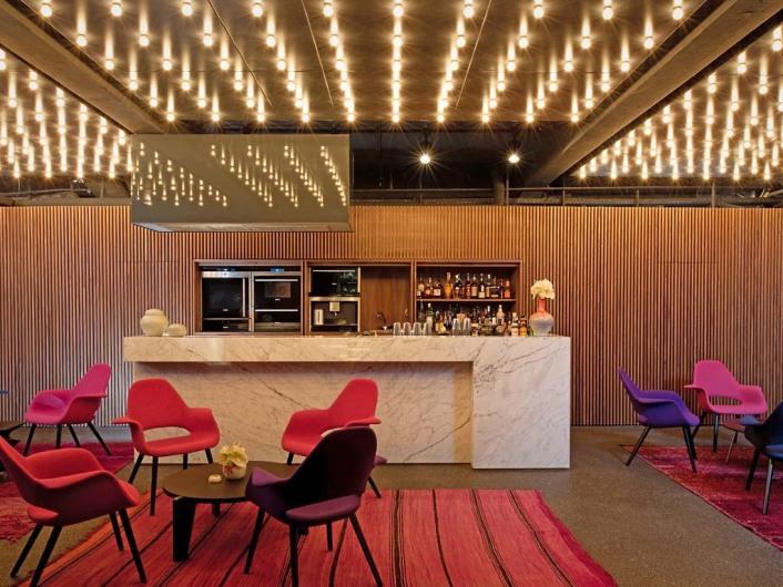 Tim Raue Restaurant, Bar im Untergeschoss, Architektur von Patrick Batek und Ester Bruzkus, Berlin, 10/2010