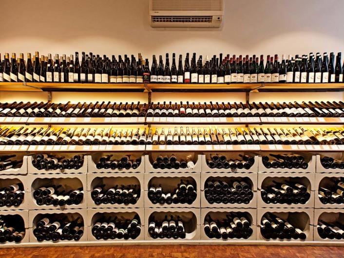 Weinhandlung Viniculture
