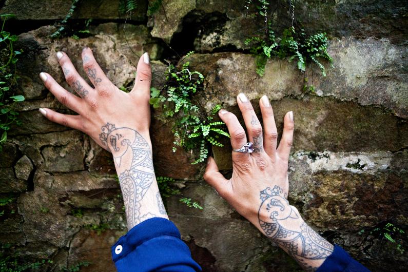 Jo Weissgerber; Saira Hunjan; Taatoo artist; Falke footprints