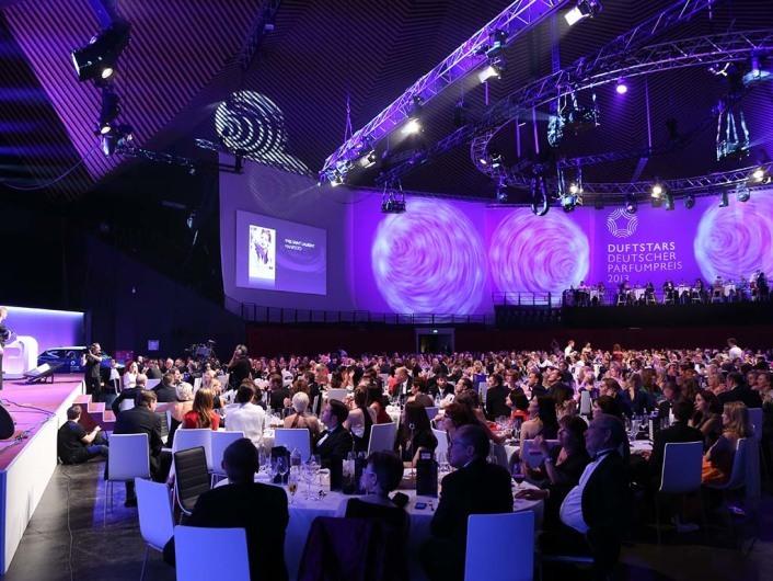 Übersicht21. Verleihung des Deutschen Parfumpreises DUFTSTARS 2013 im Tempodrom in Berlin am 17.05.2013AGENCY PEOPLE IMAGE(c.)MARKO GREITSCHUS