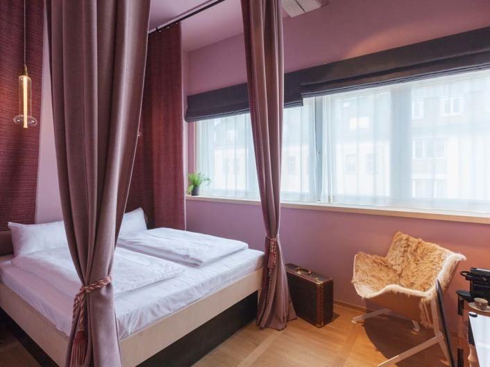 m nchens neue unterkunft f r die kreativszene. Black Bedroom Furniture Sets. Home Design Ideas