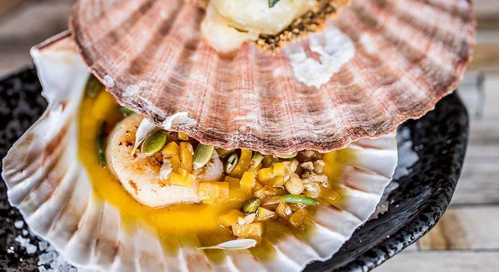 Hurawalhi: Cuisine Artist Bjoern Van den Oever at 5.8 Undersea Restaurant