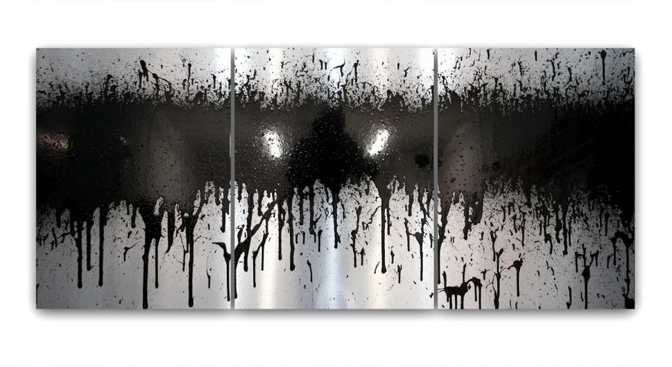 Mit Sprühdose im White Cube - Marc Scherer