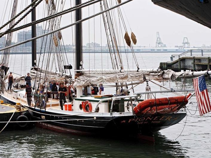 Ein Stück Hafengeschichte in New York