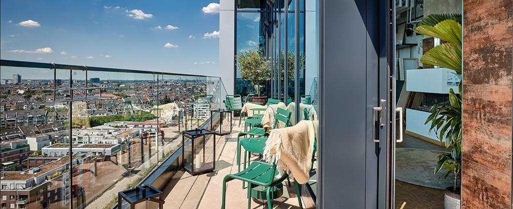 """25h Hotel """"Das Tour"""", Terrasse"""