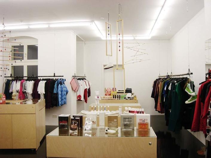 http://woodwood.dk/stores