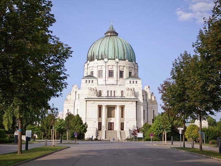 http://www.viennatouristguide.at/Friedhoefe/Zentralfriedhof/Z_Startseite/z_start.htm